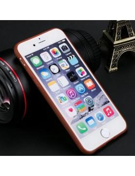 Coque téléphone iPhone X/XS en silicone imitation cuir marron.